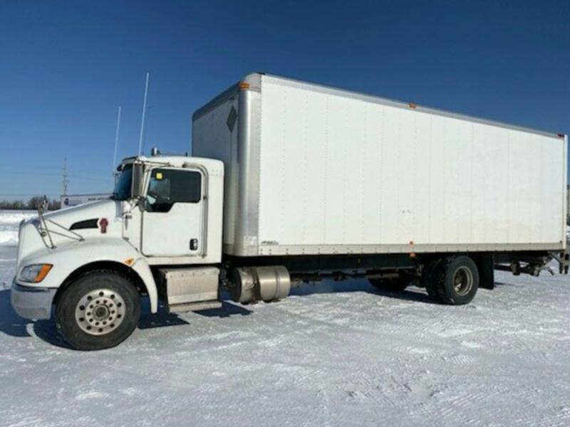 2014 Kenworth T370 28' Aluminum Box