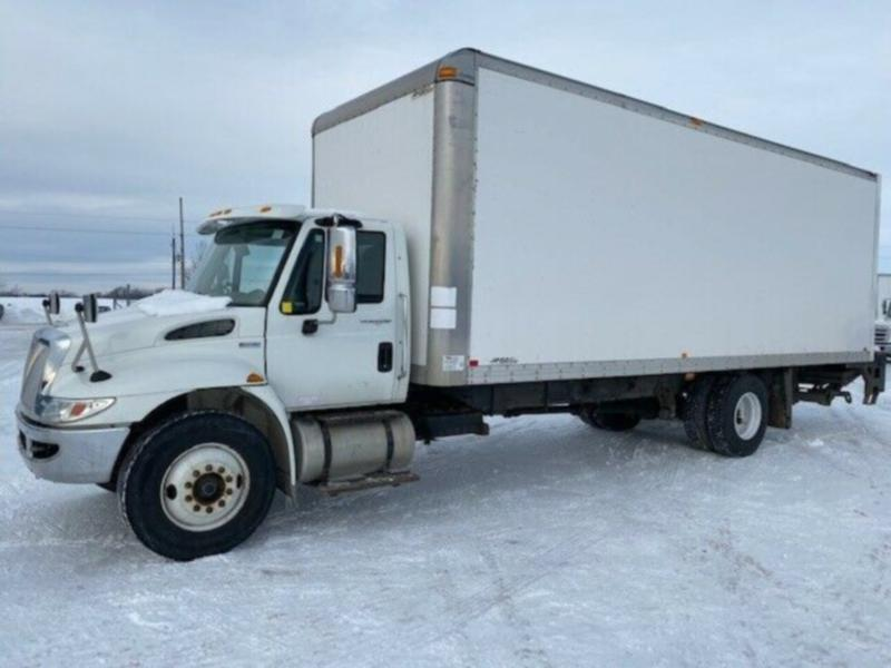 2012 International 4300 Durastar 24' Box