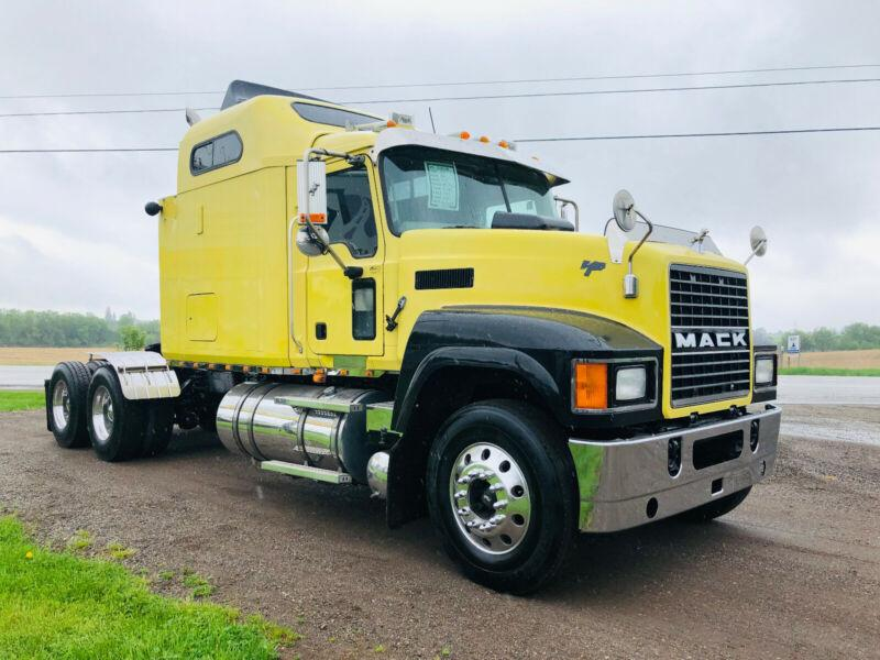 2007 MACK CHN613 HIGHWAY TRUCK, COMES WITH FRESH SAFETY