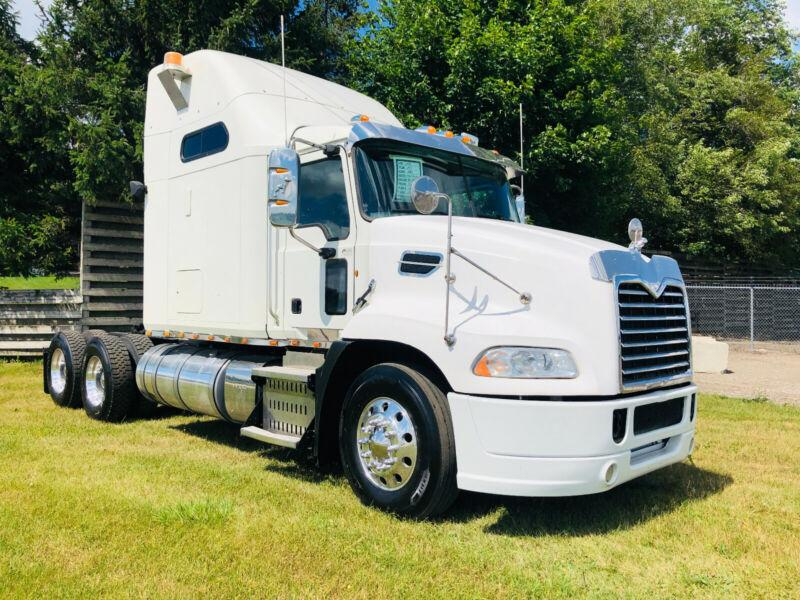 2013 MACK MACK PINNACLE, 13SPD MANUAL, ONLY 679903 KM, CLEAN !!