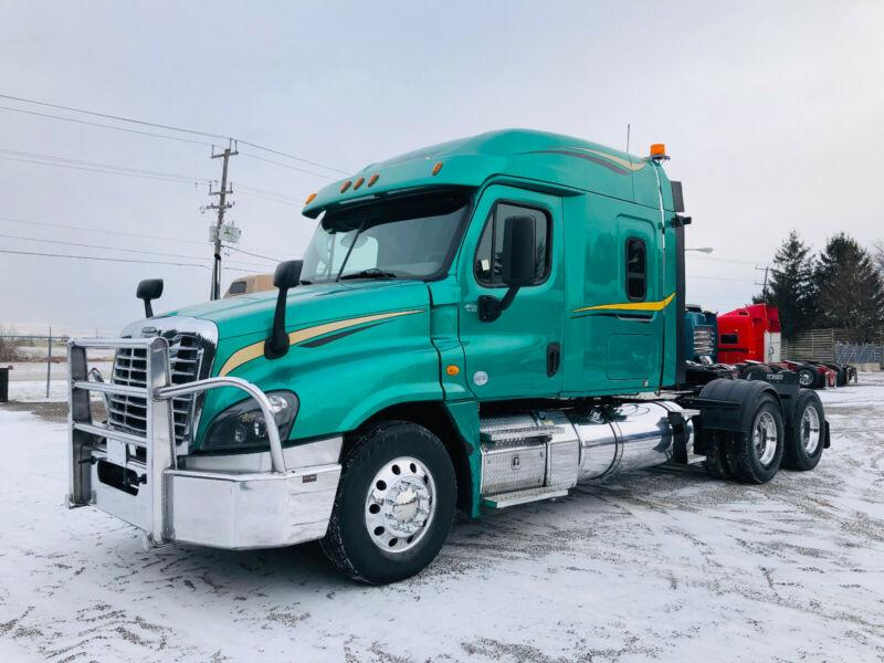 2014 FREIGHTLINER CASCADIA HEAVY SPEC, 4 WAY LOCKER, SUPER CLEAN