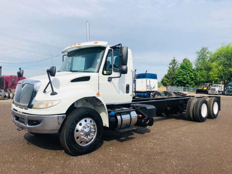 2016 INTERNATIONAL 4400 TANDEM CAB & CHASSIS, AUTOMATIC, LOW KM