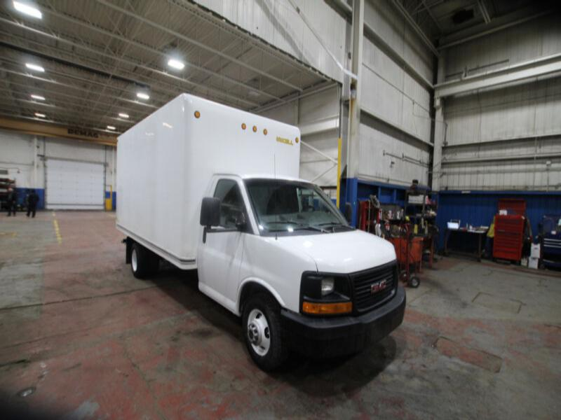 2012 Gmc Savana 3500  16 ft Cube van w/ ramp