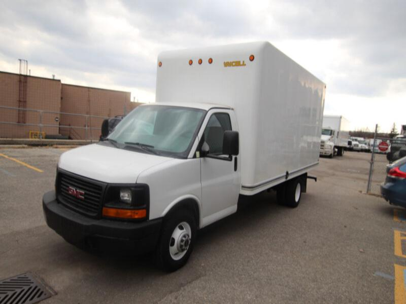 2014 Gmc Savana 3500  16 ft Cube van w/ ramp