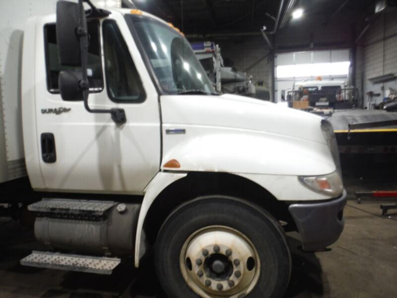 2009 International 4300 4300 SUITABLE FOR 24FT BODY