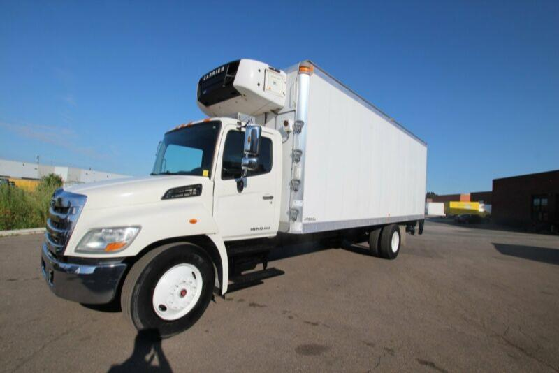 2012 Hino 338 24 ft reefer Carrier 750 1500 hrs