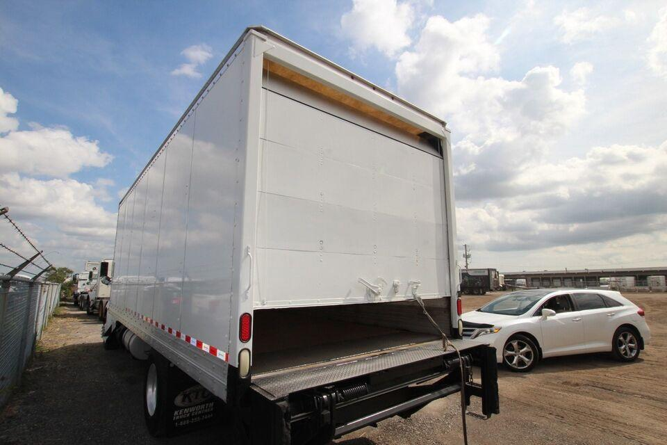 2013 Kenworth T370 24FT DRY FREIGHT  WITH TGATE