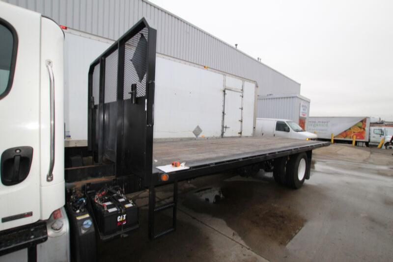 2013 Freightliner 24FT FLAT DECK DURABODY  #UB1183 ( BODY ONLY )