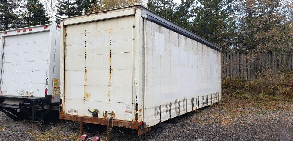 2005 Commercial Babcock 26FT SOFTSIDER #UB1121 (BOX NOT EXACTLY