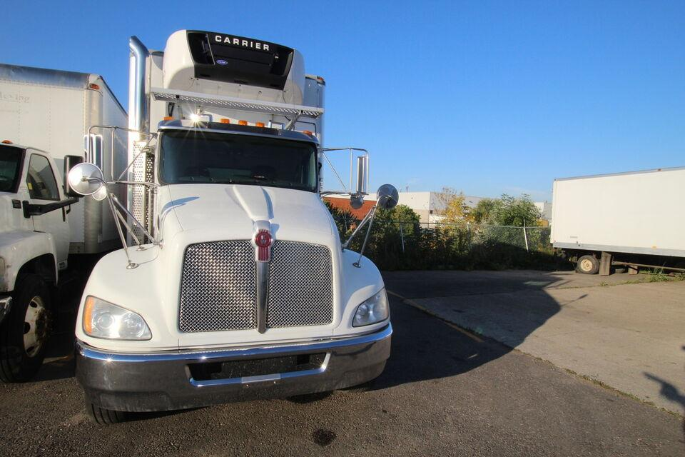2012 Kenworth T370 26 FT  AIR BRK AUTO  WITH  TAIL GATE
