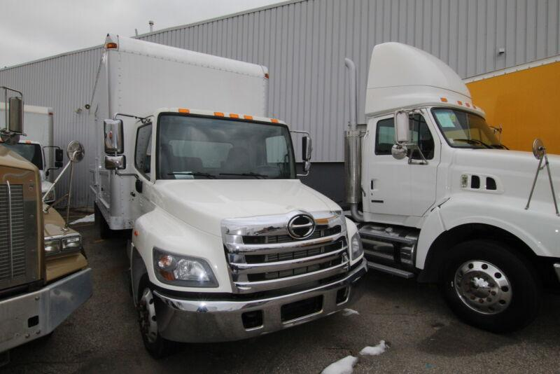 2014 Hino 258 24 FT BODY  (ask for pricing if you need a tgate o