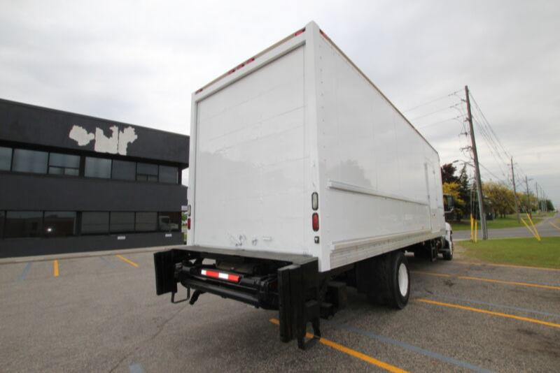 2014 Multivans 26FT DRY FRT W/TGATE 3000LB  #UB3344 (BODY ONLY F