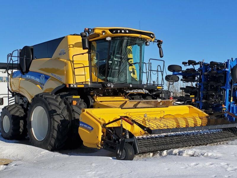 2019 New Holland CR9.90 Combine