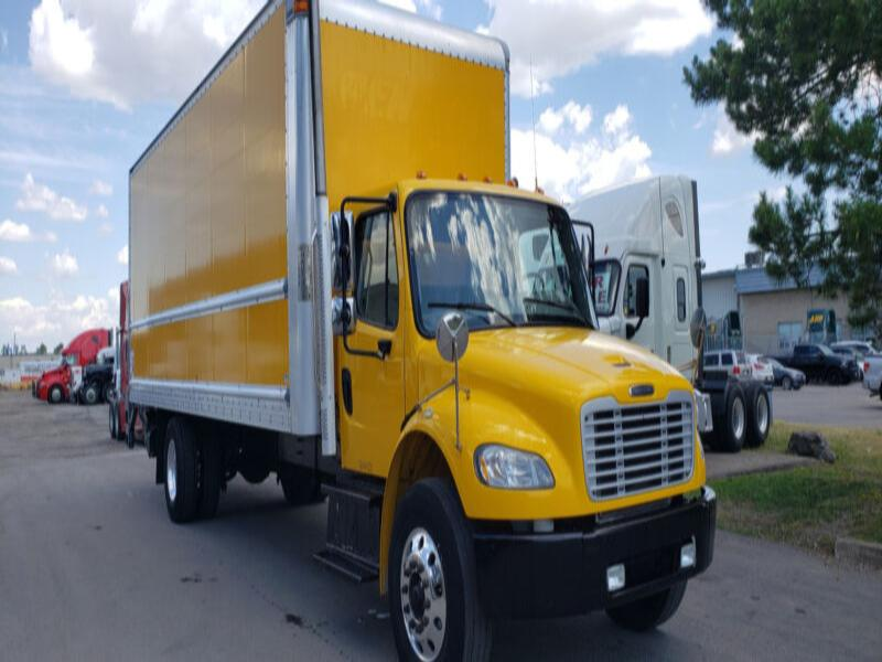 Freightliner FM2 Straight Truck w/ Power lift