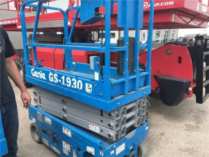 Genie GS1930 Electric Scissor Lift