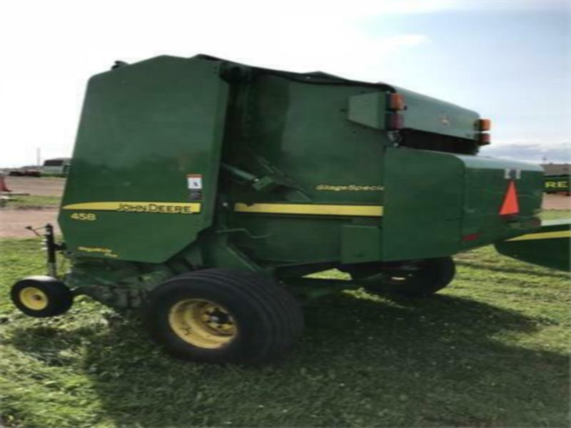 USED JOHN DEERE 458 SILAGE SPECIAL ROUND BALER