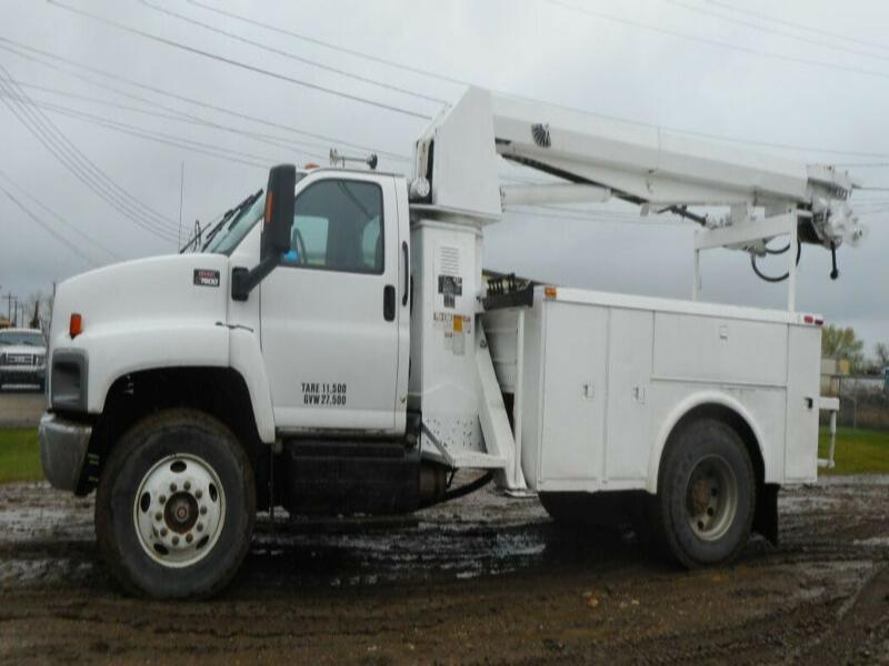2003 GMC C7500 Single Axle with Altec D890A-BB Digger Derrick Tr