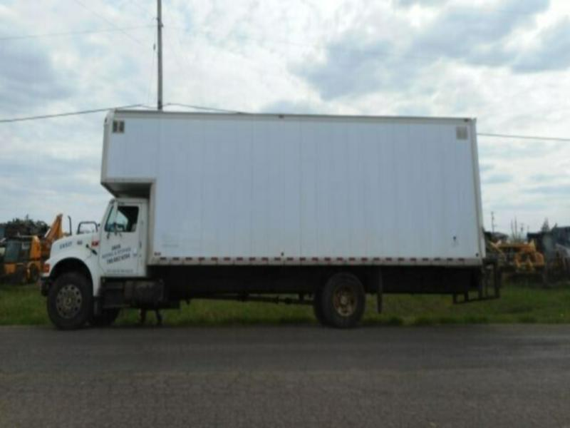 2001 International 4700 Single Axle Van Truck
