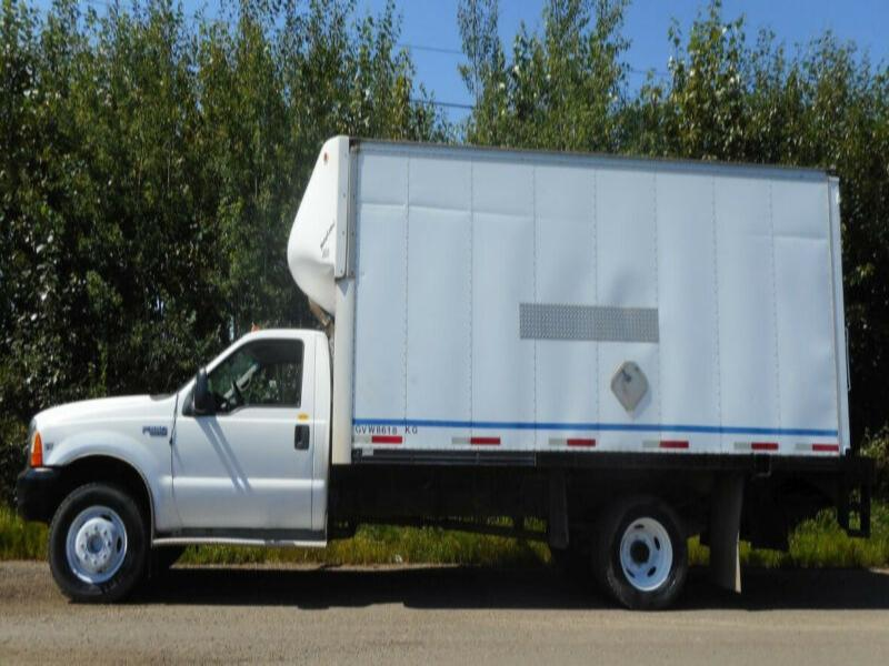 "1999 Ford F550 Super Duty With 16'9"" Van Body DRW"
