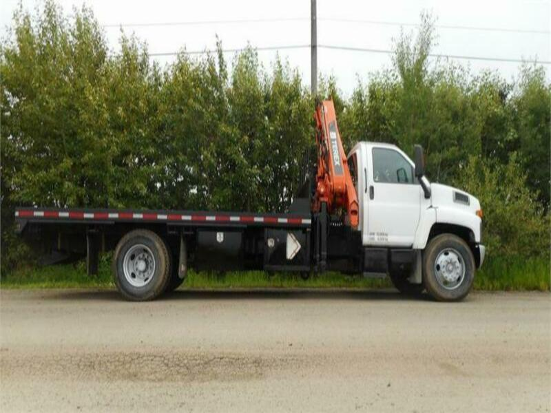 2006 GMC C7500 SINGLE AXLE WITH TEREX 145CS BOOM TRUCK