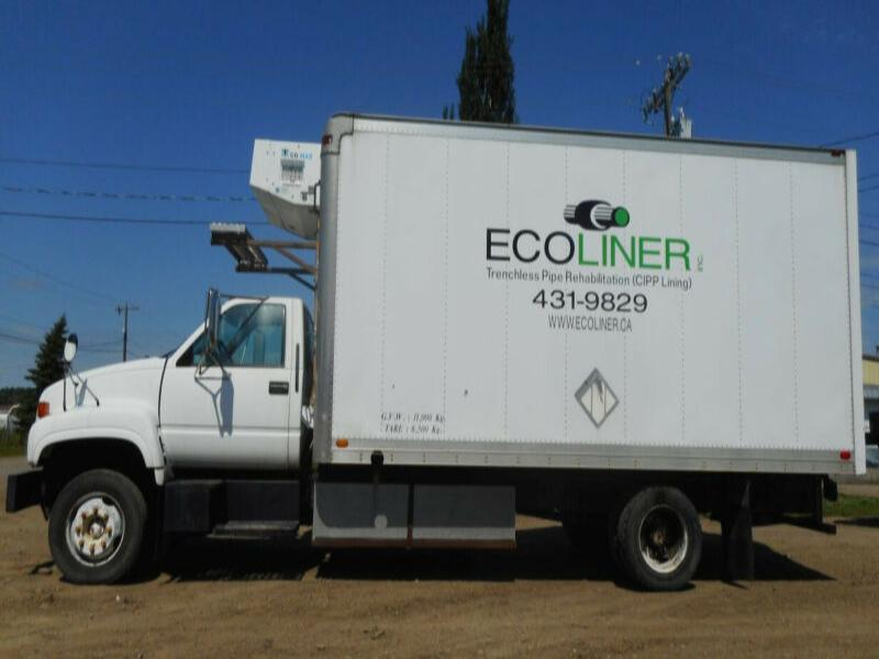 1999 GMC C6500 Single Axle Reefer Van Truck
