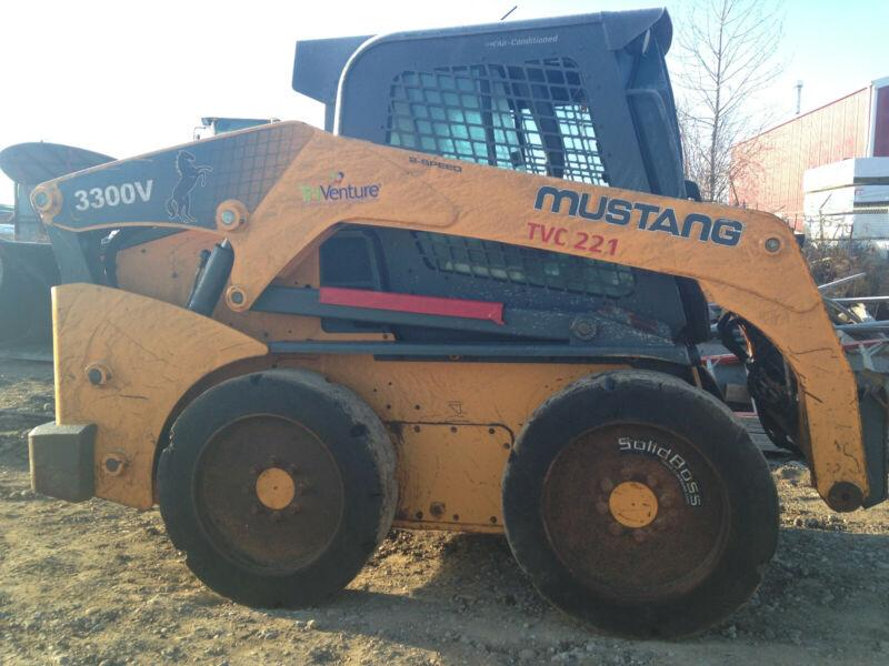 2012 MUSTANG 3300V SKID STEER LOADER