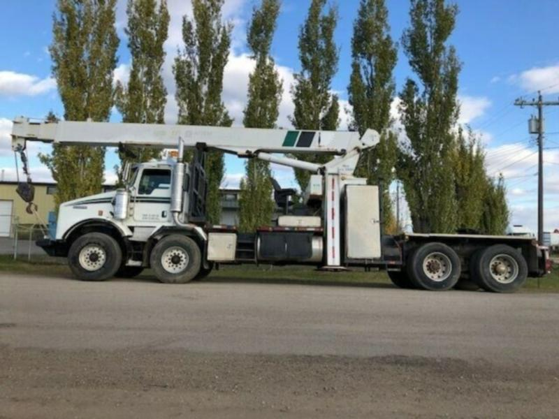 2005 KENWORTH T800 T/A T/A W/ NATIONAL 1169 BOOM TRUCK