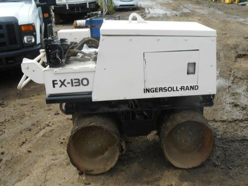 INGERSOLL-RAND FX130 TANDEM PADFOOT WALK BEHIND COMPACTOR