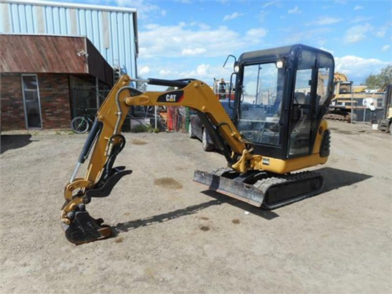2005 CATERPILLAR 301.8 MINI EXCAVATOR