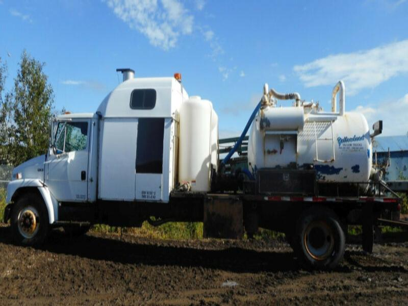 1999 Freightliner FL70 Single Axle Combo Hydro Vac