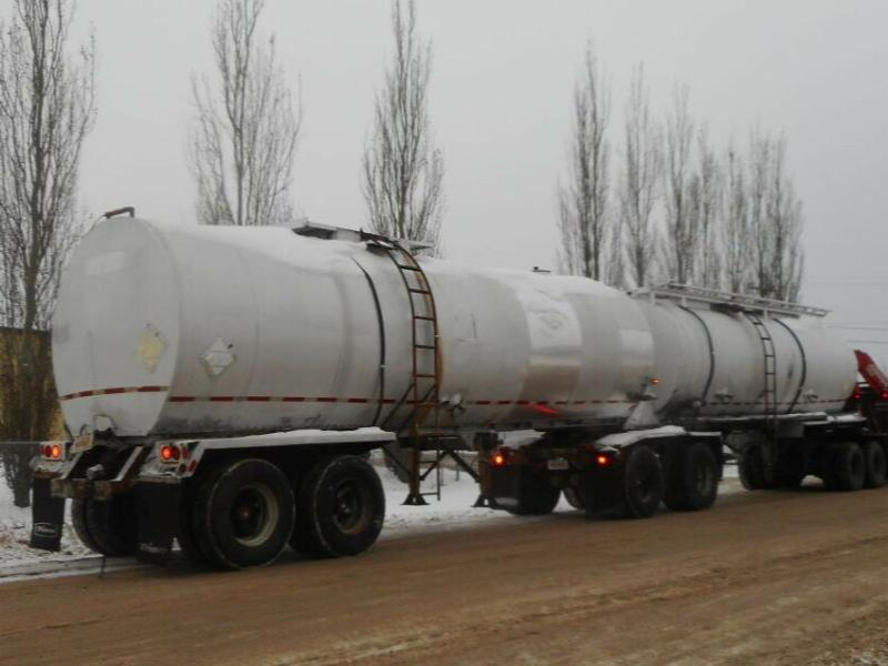 1979 Westeel Super-B Lead Tanker on 1969 Fruehauf Trailer