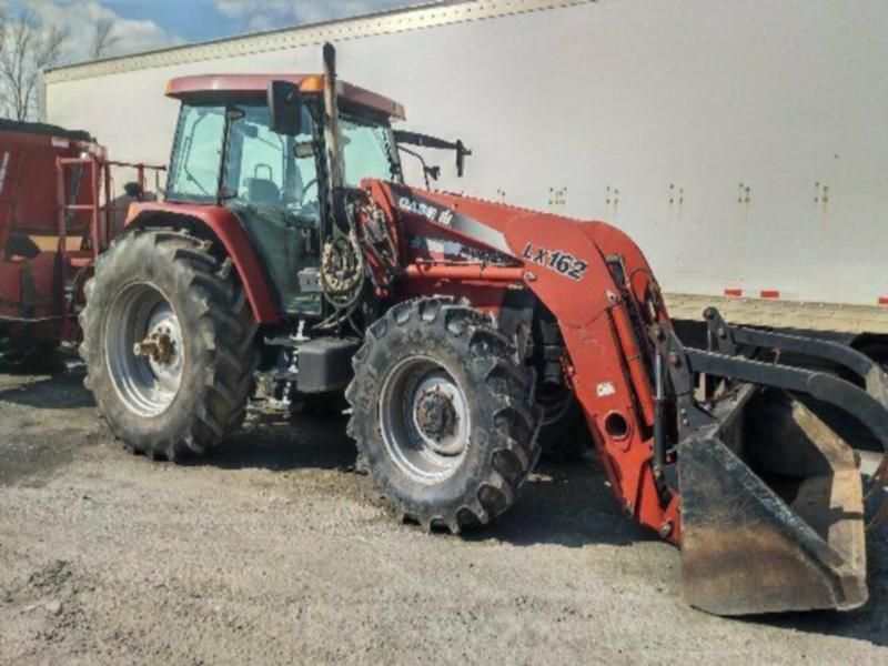 2006 Case IH MXM 120 cab tractor with loader