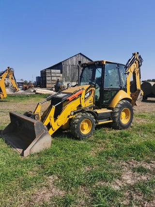 2015 Caterpillar 420F IT Loader Backhoe