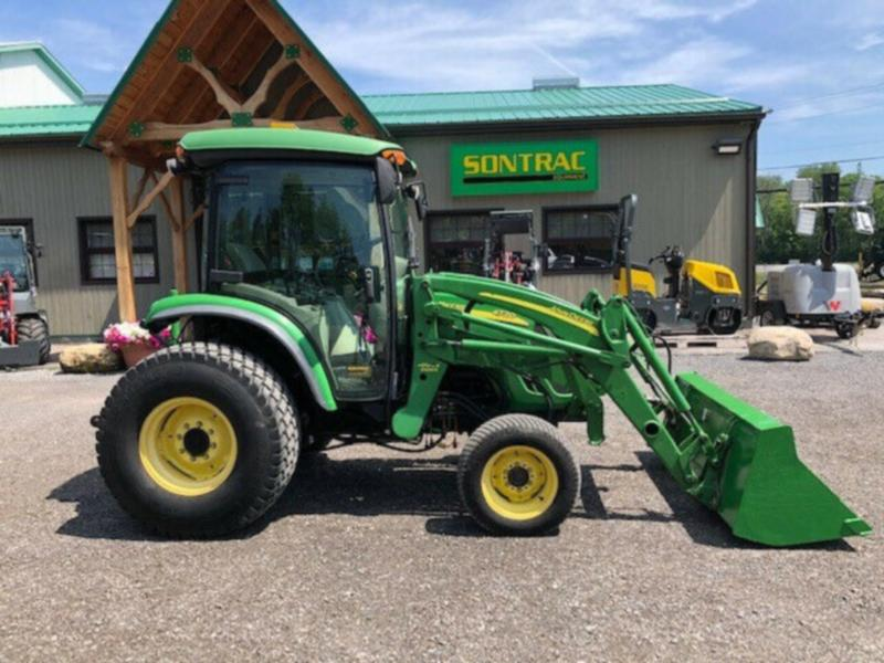 2006 JOHN DEERE 4720 TRACTOR WITH CABIN AND LOADER – HYDROSTATIC