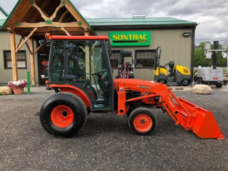 2006 KUBOTA B3030 – CAB TRACTOR WITH LOADER