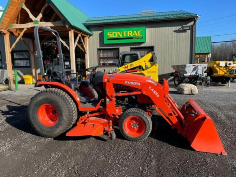2017 KUBOTA B2650 HSD – WITH LOADER AND MOWER – LIKE NEW
