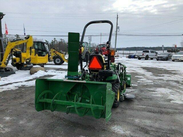 2018 JOHN DEERE 1025R – COMPACT TRACTOR WITH LOADER AND MOWER!