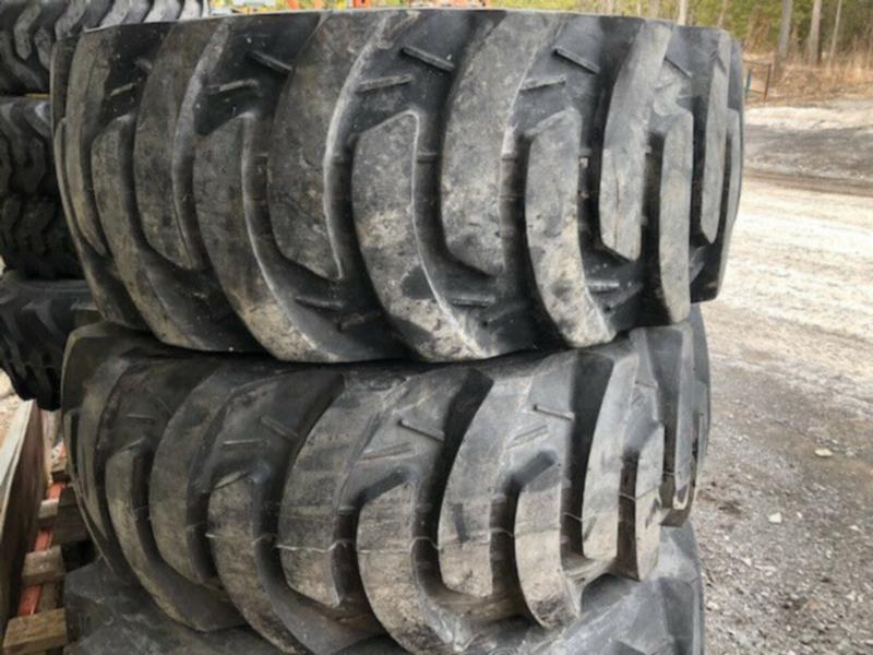 USED JOHN DEERE REAR TIRES  - FITS ON 3 SERIES TRACTOR