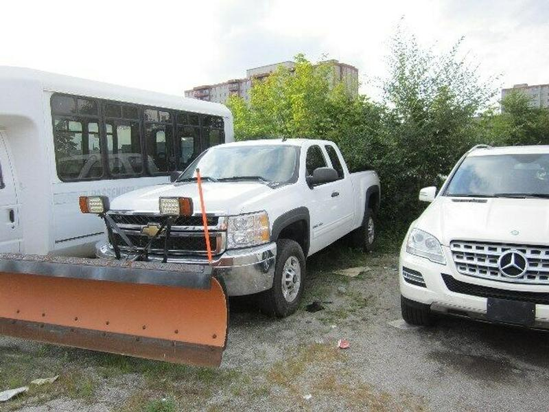plow truck 2011 chevy 2500