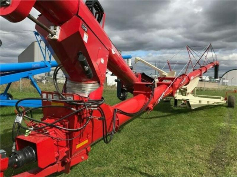Farm King 1684 Backsaver Grain Auger with Teleswing