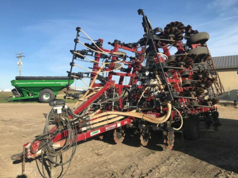 Salford I-2131 Vertical Tillage Tool with NH3 shanks/metering