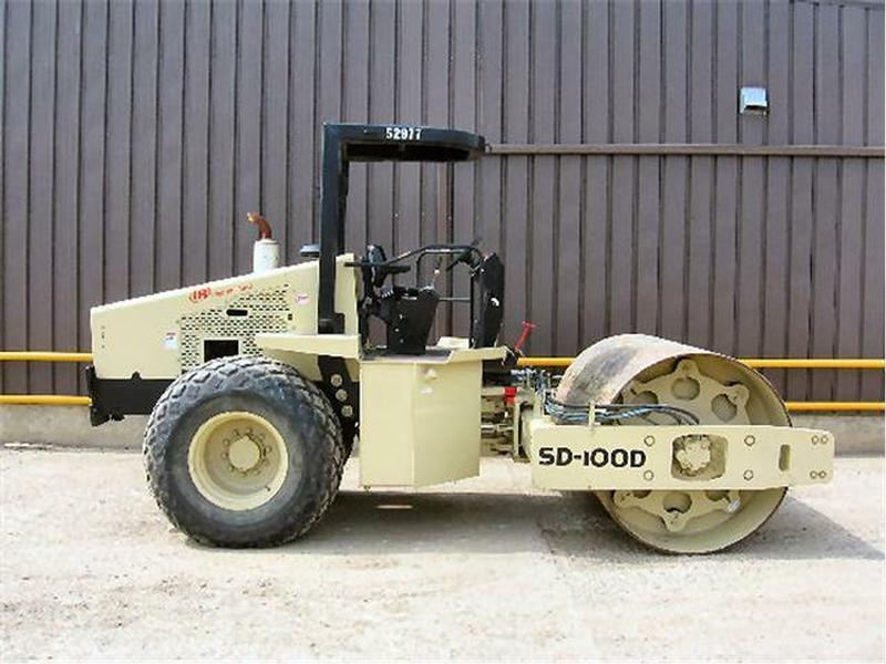 2007 INGERSOLRAND SD100D COMPACTOR