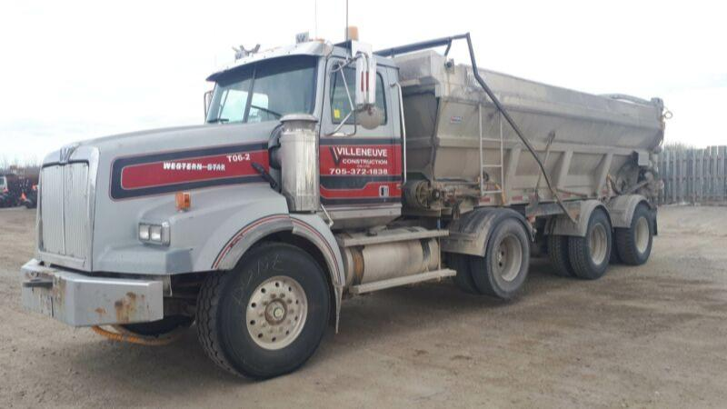 2006 Western Star 4900SB Live Bottom Truck