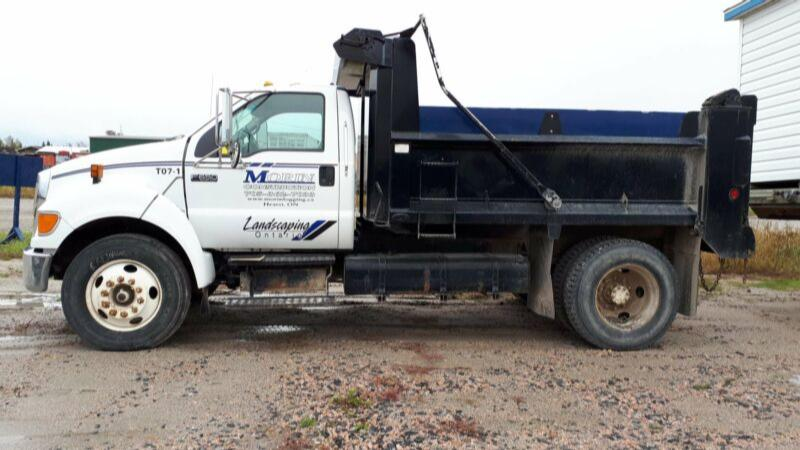 2007 Ford F650 XLT Single Axle Dump Truck