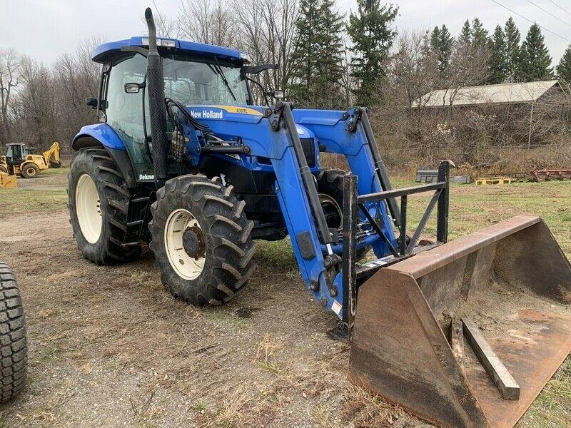 New Holland TS100A Tractor Loader